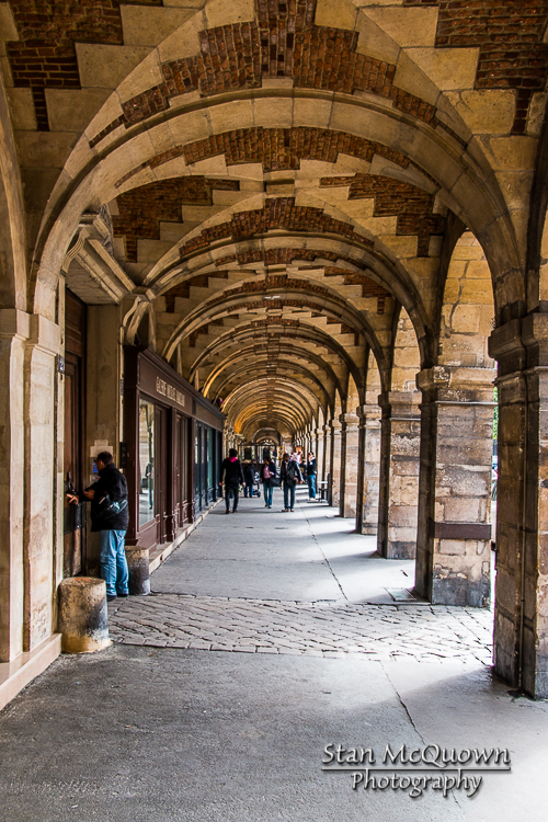 Place des Vosges!, All four sides of the square have these beautiful walking passage ways!